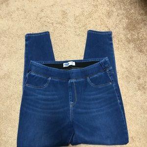 Old Navy Rockstar pull on jeans